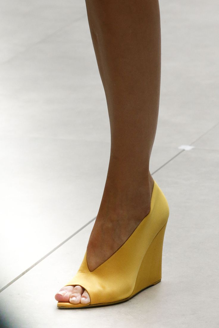 Simple wedge, Burberry S/S 2013
