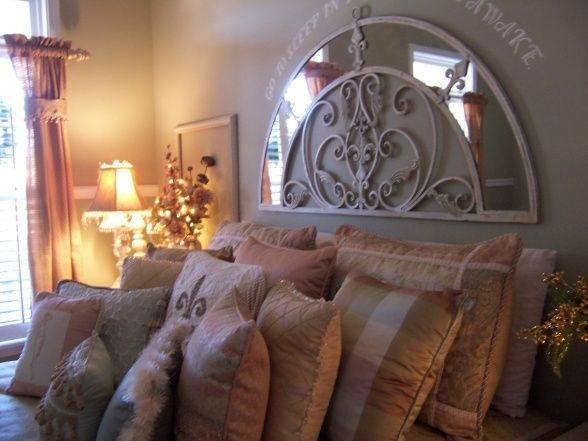 17 best images about guest room on pinterest pewter for Pictures of beautiful guest bedrooms