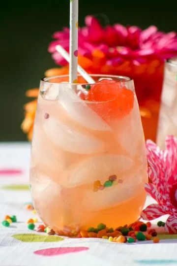 Looking for a fun summer drink recipe for kids that's a little more exciting than plain old lemonade? Maybe you want a virgin drink recipe for the adults at your party that don't drink alcohol? Our …
