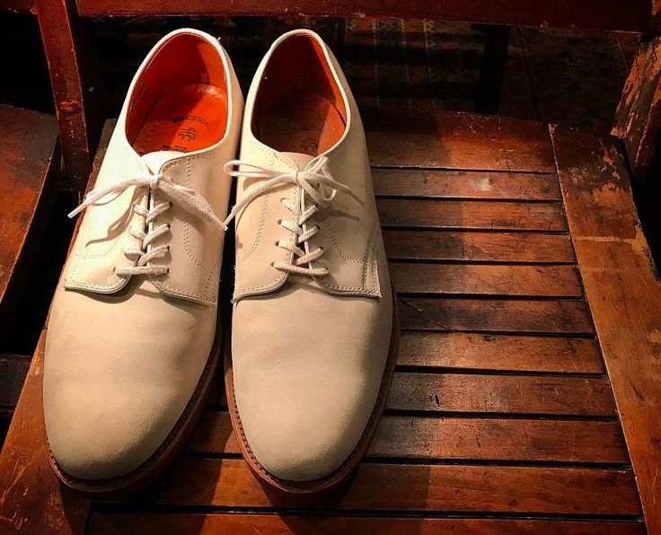 ・ ・ ''BROOKS BROTHERS'' ・ Made in U.S.A. Color:White/Nubuck Leather Plain-toe Blucher White-bucks ・ #whistler #chart #tokyo #koenji #used #usedclothing #antique #fashion #shoes #bag #vintage #vintagefashion #vintagestyle #vintageshoes #leather #leathershoes #w_c_a #ウィスラー #チャート #東京 #高円寺 #古着屋 #古着 #靴 #madeinusa #brooksbrothers #whitebucks #plaintoe #ブルックスブラザーズ http://butimag.com/ipost/1495771224154993075/?code=BTCDADhAnGz