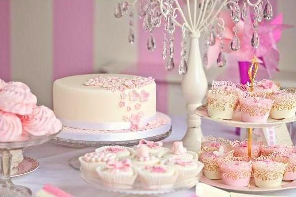 słodki bufet na weselu słodki kącik candy bar wedding