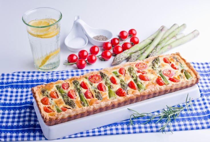 Tarta ze szparagami i pomidorami koktajlowymi #intermarche #szparagi #tarta