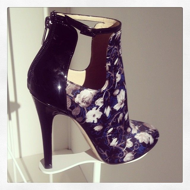 These shoes are just stunning! I would wear these to a meeting with a client to look professional.