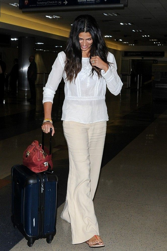 Camila Alves Photos: Camila Alves at LAX