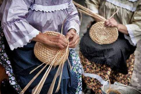 Artigianato di qualità  Cesti in paglia di grano