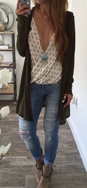 I'd probably keep it buttoned or wear an undershirt/bralette on account of big boob problems and I'm just not uncomfortable doing that,  but really cute outfit idea