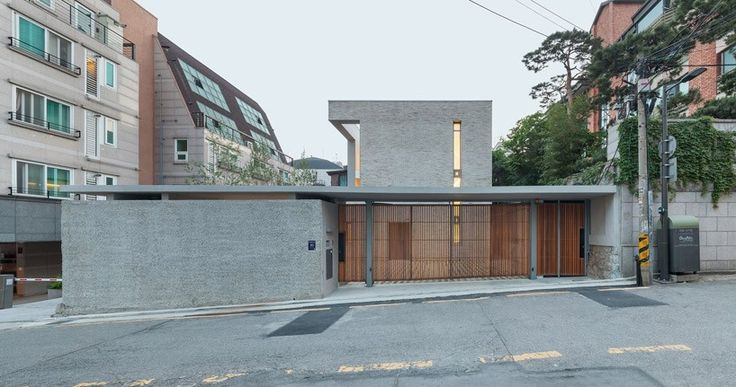 OBBA develops open & closed house in seoul's gangnam district