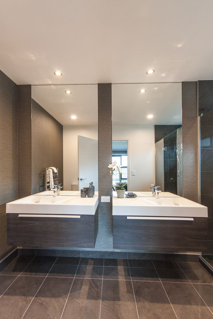 Double vanity and mirror in Hamilton