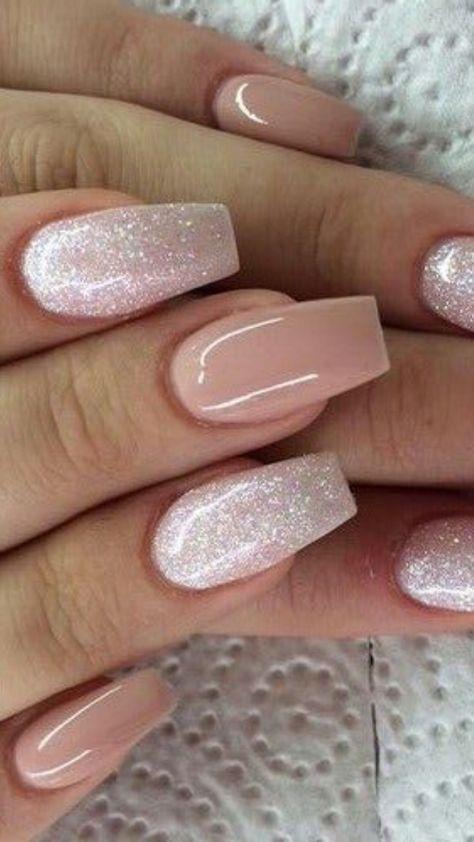 Cream coloured nail design with glitter on fake nails #glitter #cream #nails~
