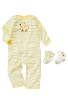 At Gymboree pastel yellow and ducks are the best they can come up with for a gender neutral newborn look? oh, an stripes.