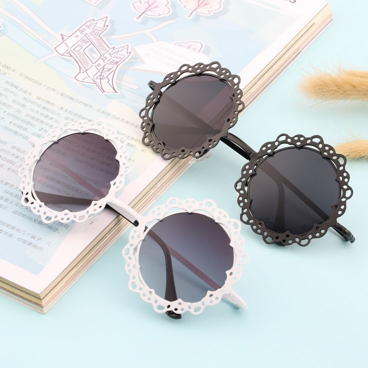 New Arrival Women Fashionable Grid Hollowed-out Sunglasses Retro Metal Sun Glasses Hot