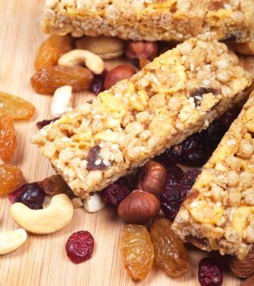 «Mπαροφρέτα» δημητριακών με φρούτα και φουντούκι | Γιάννης Λουκάκος