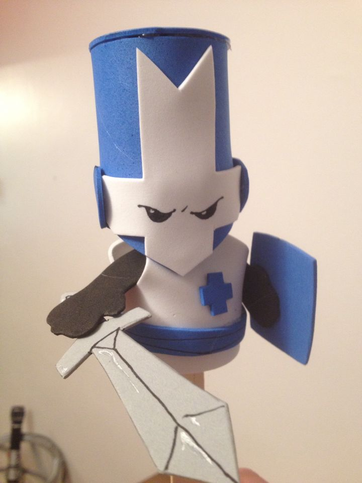 Castle Crashers foam puppet - Blue Knight