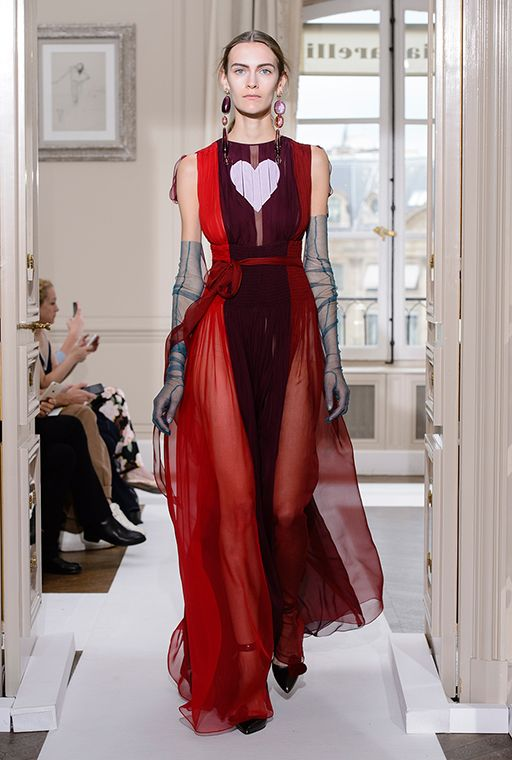 Paris Haute Couture Fashion Week: Schiaparelli Fall/Winter '17 | Buro 24/7