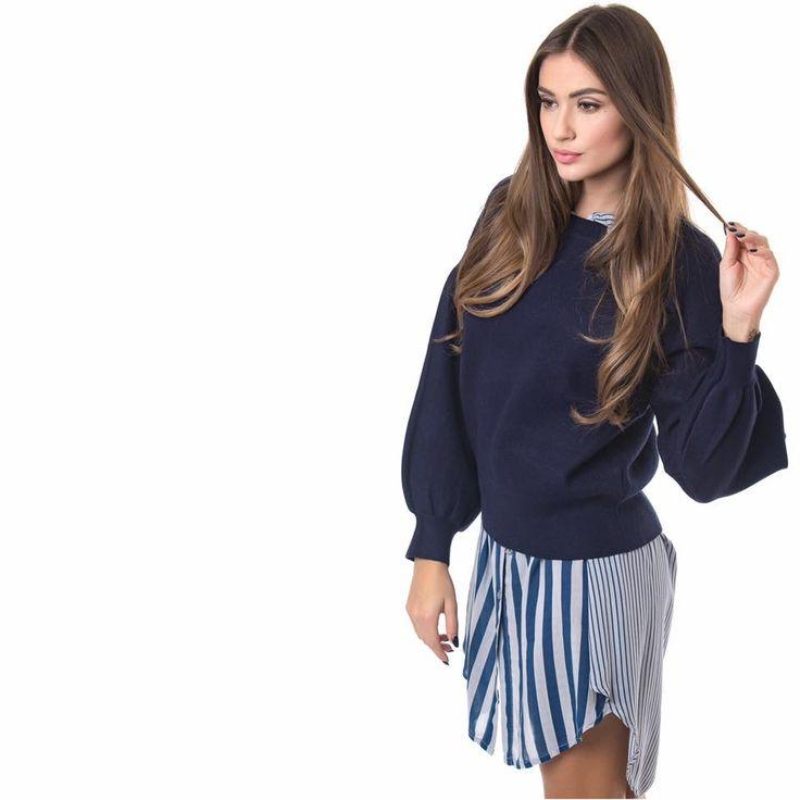 Knitted blouse with oversized sleeves. Elastic neck and hem. 51% Viscose. 39% Polyamid. 10% Elastane. https://www.modaboom.com/plekti-mplouza-me-oversized-manikia-mple.html