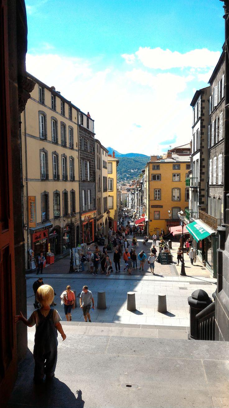 Vue de la cathédrale de Clermont-Ferrand