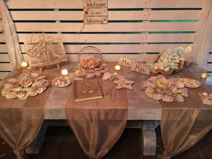 Welcome entrance table decoration Sweets and book of wishes