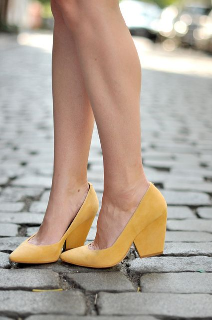 These aren't available anymore but love the style. Heel but not to much and perfect shade of yellow.