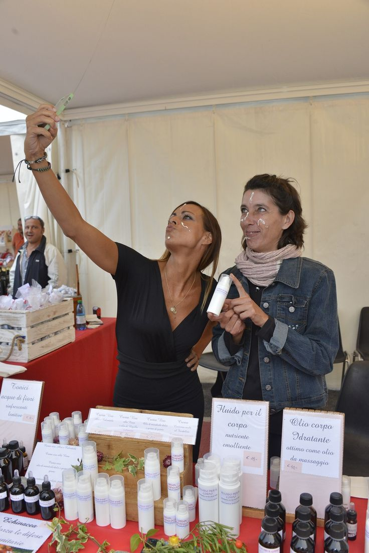 ...crema di bellezza di Daniela Bagnis per un Selfie perfetto! (Ph. Foto Studio Azais)