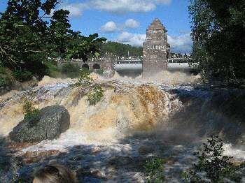Besök Karsefors med storslaget vattenfall i Ysby utanför Laholm i Sydhalland Halland