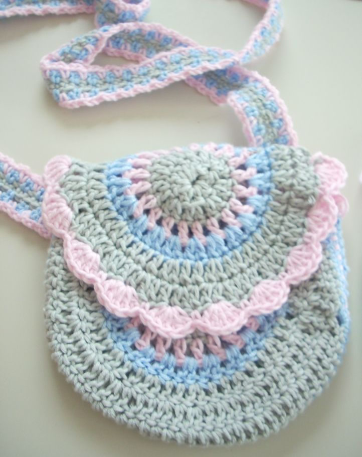 18 best hausschuhe images on Pinterest | Hand crafts, Crochet ...
