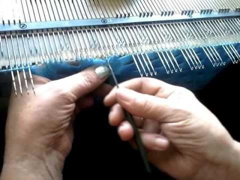 красивый узор шали ручеек на вязальной машине - YouTube