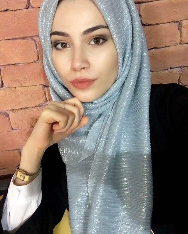 """10.8k Likes, 149 Comments - HABIBA DA SILVA (@lifelongpercussion) on Instagram: """"This hijab from @veronacollection now available to purchase from @nismashop"""""""