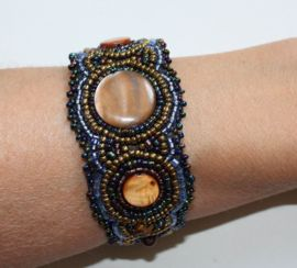 Ibiza armband met kraaltjes en cirkels met een mooie glans, verkrijgbaar in 6 verschillende kleuren (MULTICOLOR, WIT, TURQUOISE, ANTRACIET, PAARS, ZWART) - 6 different colors Ibiza bracelet, fully beaded with small beads and circles with a glow