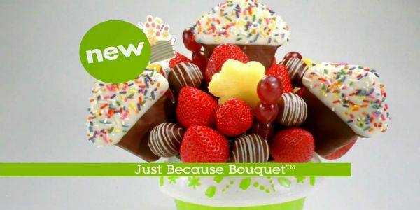 Have you ever bought or received an Edible Arrangement?   Win Edible Gift Arrangements from Saputo Cheese!  Enter Now ===>http://thriftymommaramblings.com/2016/03/win-edible-gift-arrangements-from-saputo-cheese/