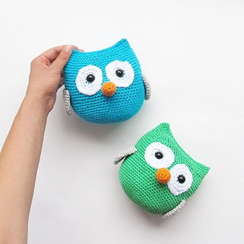 Who doesn't love amigurumi owls! This is an easy amigurumi version, so everyone can make it.