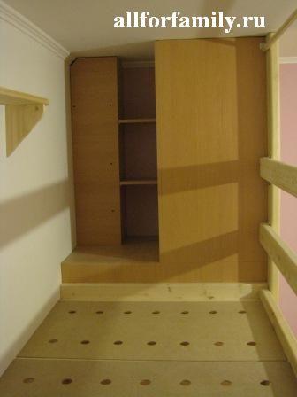 двухъярусная кровать из дерева своими руками: шкафчик на верхнем ярусе