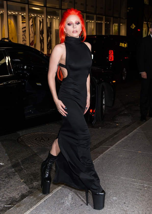 Gaga jusqu'au bout des cheveux...NEW YORK, NY - FEBRUARY 17: Singer-songwriter Lady Gaga attends the V Magazine Party at the Rainbow Room on February 17, 2016 in New York City. (Photo by Gilbert Carrasquillo/FilmMagic)