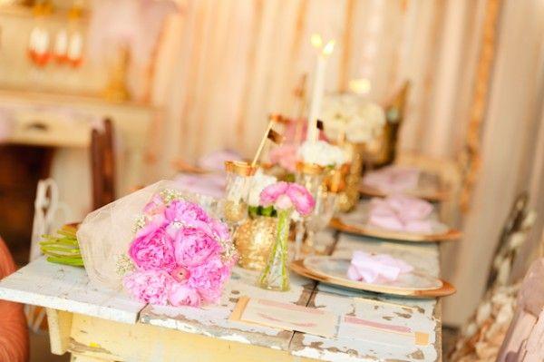 pink and goldPink Flower, Pink Wedding, Gold Glitter Wedding, Bright Pink, Flower Golden, Golden Vases, Birthday Parties, 25Th Birthday, Gold Wedding