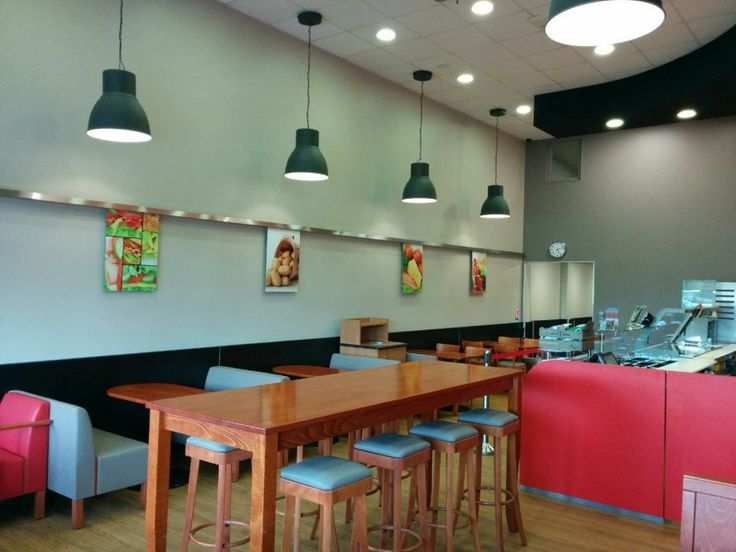 7 best images about agencement restauration rapide sur for Amenagement restaurant interieur