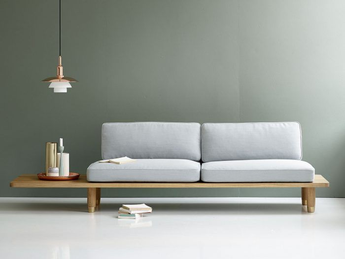 With only a wooden plank as basis and a subtle back, Plank Sofa samples the relaiton between the simplicity and functionality
