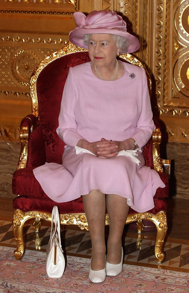 Queen Elizabeth II Photos Photos - Queen Elizabeth II And Prince Philip Visit Visit Oman - Day 1 - Zimbio