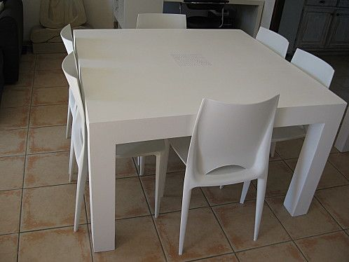 Table en carton termin e meubles en carton marie krtonne for Finition meuble en carton