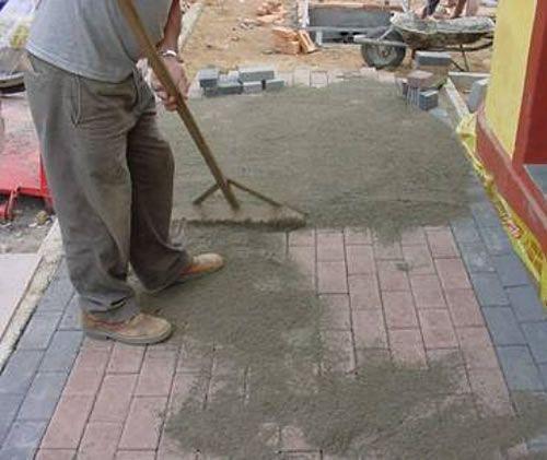 como rejuntar piso intertravado ou bloquete? http://oazulejista.blogspot.com.br/2014/05/piso-intertravadobloquetepiso-ecologico.html#axzz30Kf4oXAU