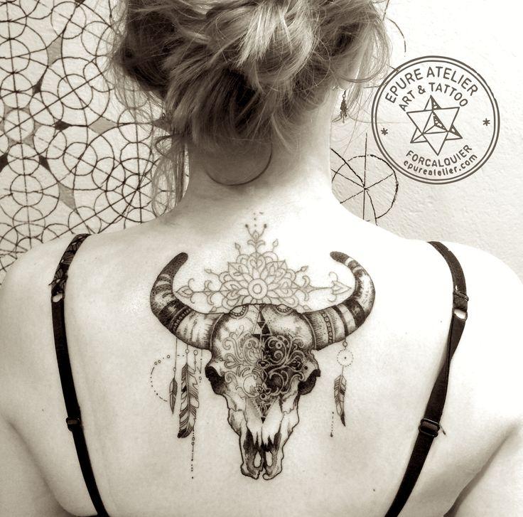 1000 id es sur le th me tatouages de cr ne de vache sur. Black Bedroom Furniture Sets. Home Design Ideas