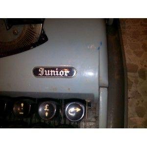 Comprar máquina de escribir antigua de segunda mano, modelo JUNIOR 58. Es de los años 50. Se entrega con el maletín. ¡¡¡¡ Esta en perfecto estado !!!!  http://www.mano-segunda.com/3677-thickbox/comprar-maquina-de-escribir-antigua-de-segunda-mano0-junior-58-anos-50.jpg