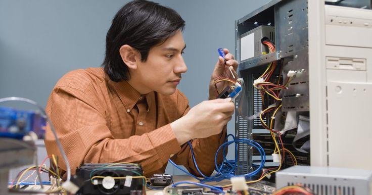 """Ejemplos de dispositivos de almacenamiento primarios. Un dispositivo de almacenamiento primario es un componente de tu computadora que almacena información durante un corto periodo de tiempo. Un dispositivo de almacenamiento primario no debe confundirse con la """"unidad de almacenamiento principal"""", que es el disco duro que almacena el sistema operativo de tu computadora, como """"Disco Local (C:)""""."""