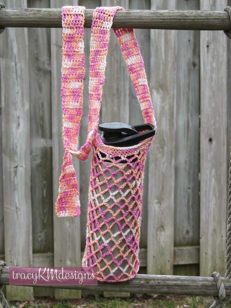 New design with a fully adjustable strap--goes from one shoulder to cross body.