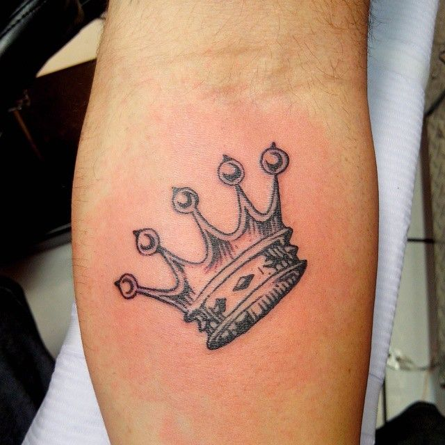 34 best crown footprint tattoos images on pinterest for Best crown tattoos