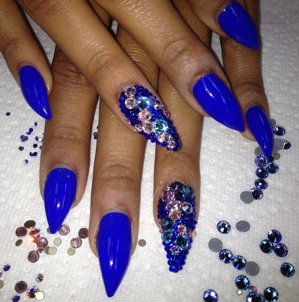 Stilleto Nail Ideas For Prom: Blue And Silver 3D Nail Idea