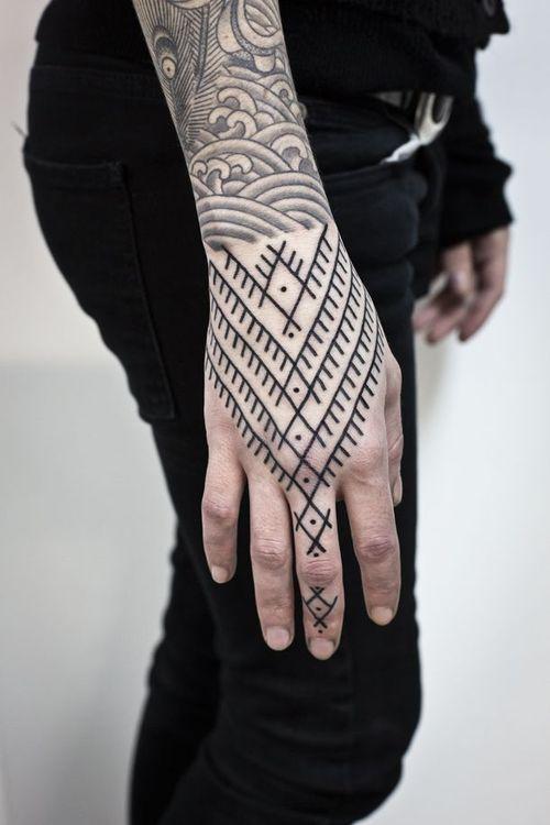 loveee the geometric tribal look on the hand