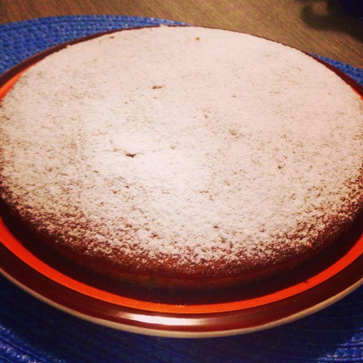 Torta margherita allo yogurt: facile, veloce e leggera! Ecco il link della ricetta.  http://ilmestoloverde.wordpress.com/2014/11/06/torta-margherita-allo-yogurt/