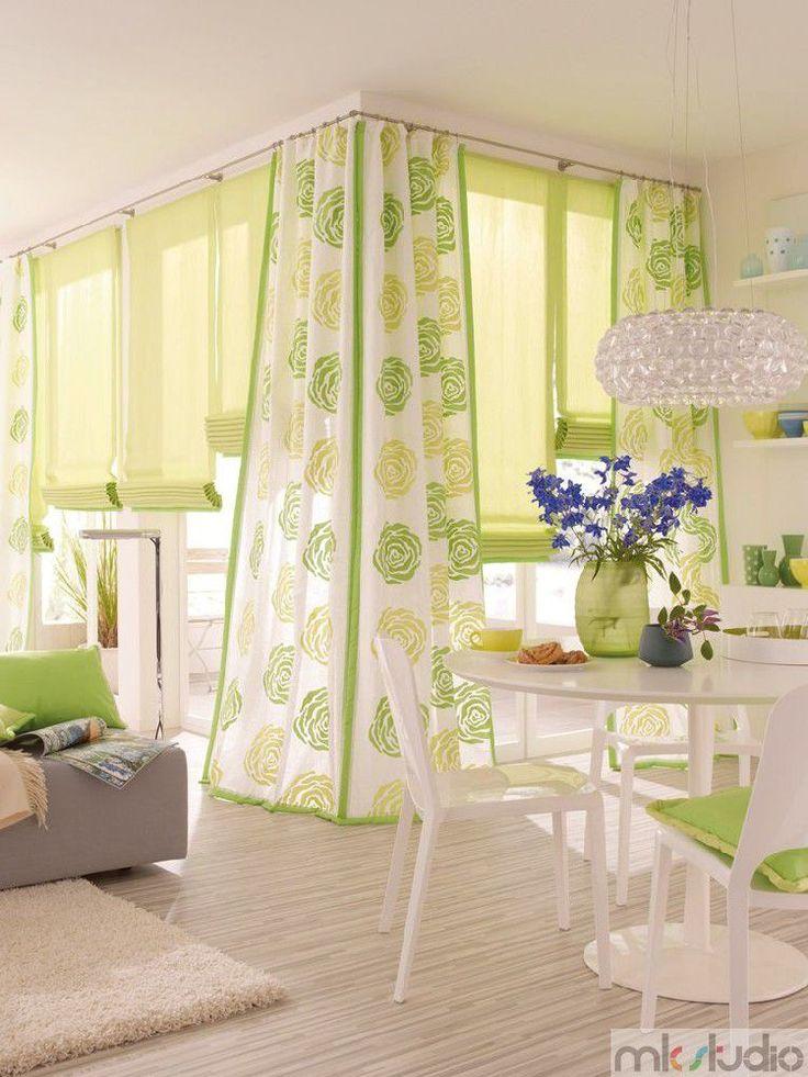 Rolety rzymskie, jadalnia, zielone osłony okienne  http://www.mkstudio.waw.pl/systemy-wewnetrzne/zaslony-rzymskie/