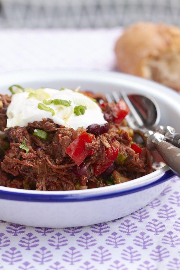 """Ein super leckeres Rezept auf Tastesheriff für ein geschmortes Chili con Carne aus dem Kochbuch """"Red Hot Chili Kitchen"""" - für alle die es gerne etwas schärfer mögen!"""