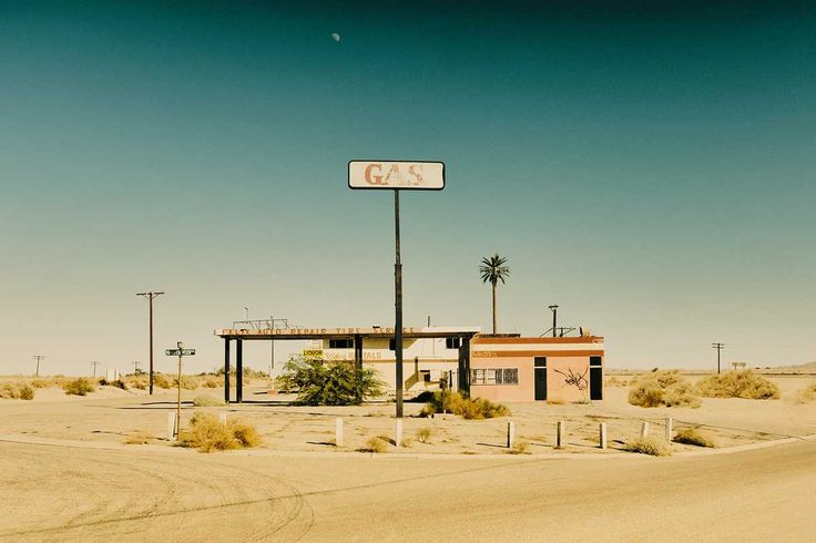 Gas Station - Sarah Johanna Eick - pictures, photography, photo art online at LUMAS
