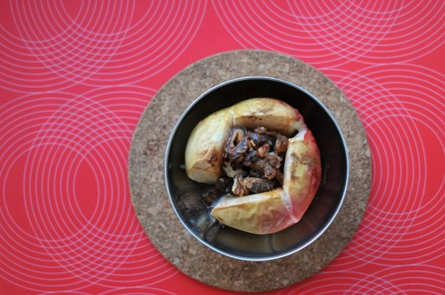 Dióval töltött sült alma